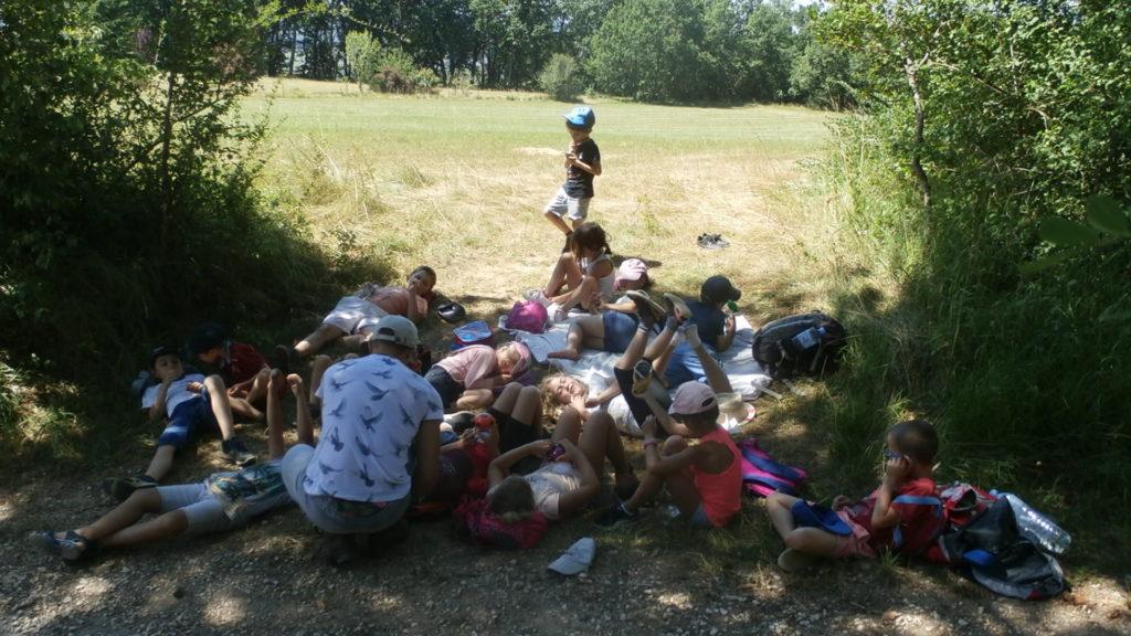 Moment de repos pendant le camp nature