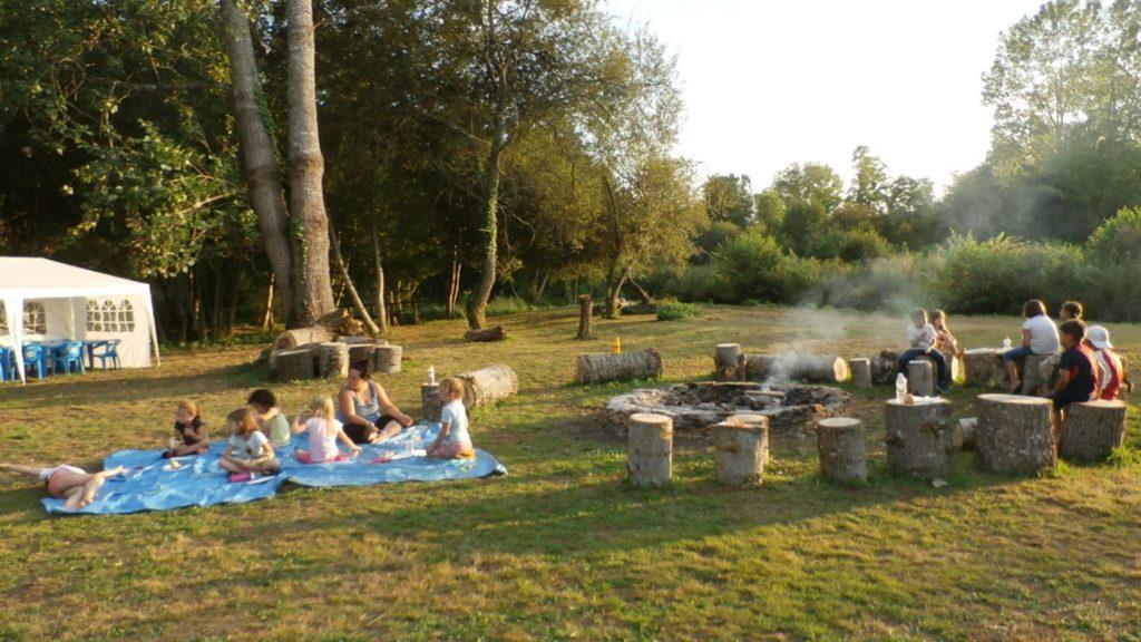 Veillée au camping lors du camp nature
